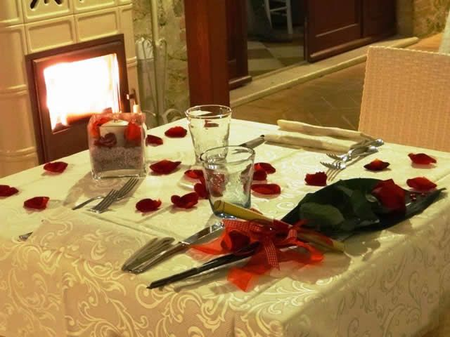 romantic honeymoon in Tuscany in romantic farmhouse Taverna di Bibbiano near San Gimignano (Siena)