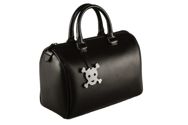New on Flooly: MuMi #bags! We already love this one, in #black #leather with a nice #skull.
