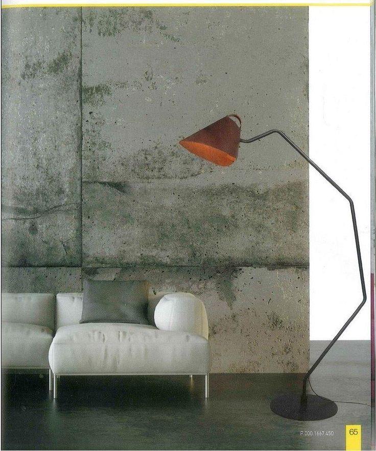 Φωτιστικό δαπέδου με δέρμα. Κάνει τη διαφορά και την υποστηρίζει. Νέες παραλαβές www.kourtakis-lighting.gr