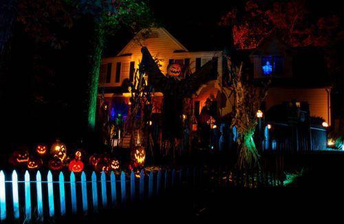 awesome halloween yard decorations 6 Admit it, great Halloween yard displays make you feel all warm inside (24 Photos)
