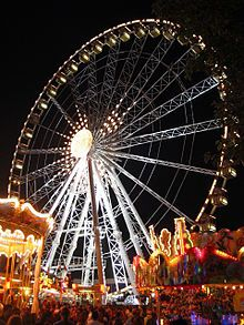 Take a spin together on La Grande Roue de Paris. Make sure to sneak a kiss at the top!