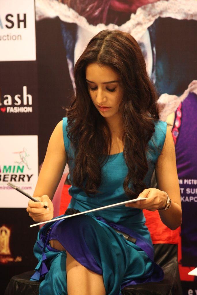 Shraddha Kapoor and Sidhart Malhotra visit Splash. #Splash #Fashion #SplashIndia…