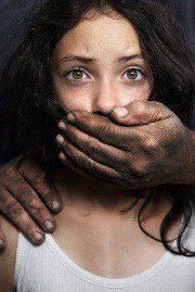 ALL GIRLS SHOULD READ! A group of rapists and date rapists in prison were interviewed on what they look for in a potential victim and here are some interesting facts:  A good thing to read and be aware! Please REPIN, IT COULD SAVE A LIFE!!