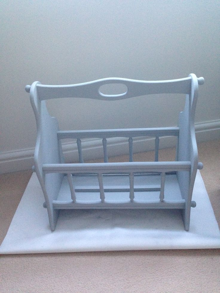 Annie Sloan Paris grey. magazine rack