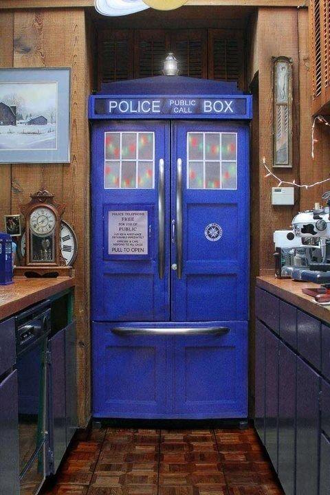 tardis-refridgerator - This almost makes me want to redo my kitchen in TARDIS blue