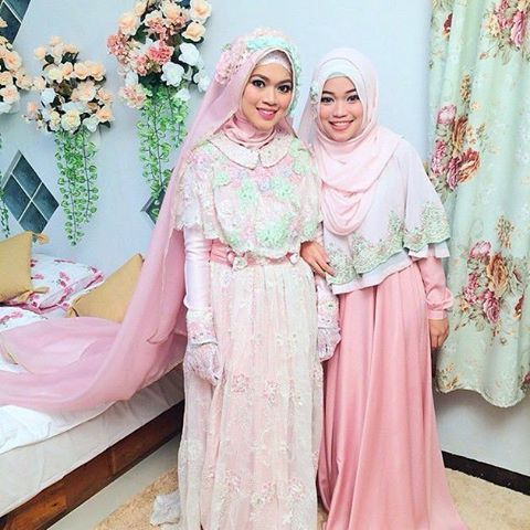 The wedding of Ghaitsa (@aagym's daughter). Wedding Gown by her older sister teh @gdaghaida