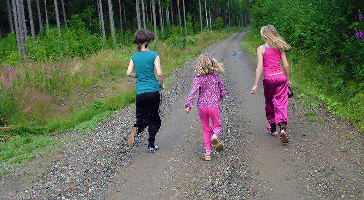 Jak sprawić, żeby dzieci polubiły zdrowy tryb życia? * * * * * * www.polskieradio.pl YOU TUBE www.youtube.com/user/polskieradiopl FACEBOOK www.facebook.com/polskieradiopl?ref=hl INSTAGRAM www.instagram.com/polskieradio