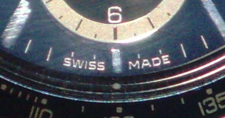 Instrucciones del Tag Heuer Carrera. Tag Heuer es un popular fabricante de relojes con sede en Suiza. Desde la década de 1860, la compañía ha producido relojes de gran calidad, tanto para hombres como para mujeres. Mientras que muchos competidores producen relojes de bajo costo que funcionan con pilas, Tag tradicionalmente se ha especializado en modelos automáticos de alta calidad. ...
