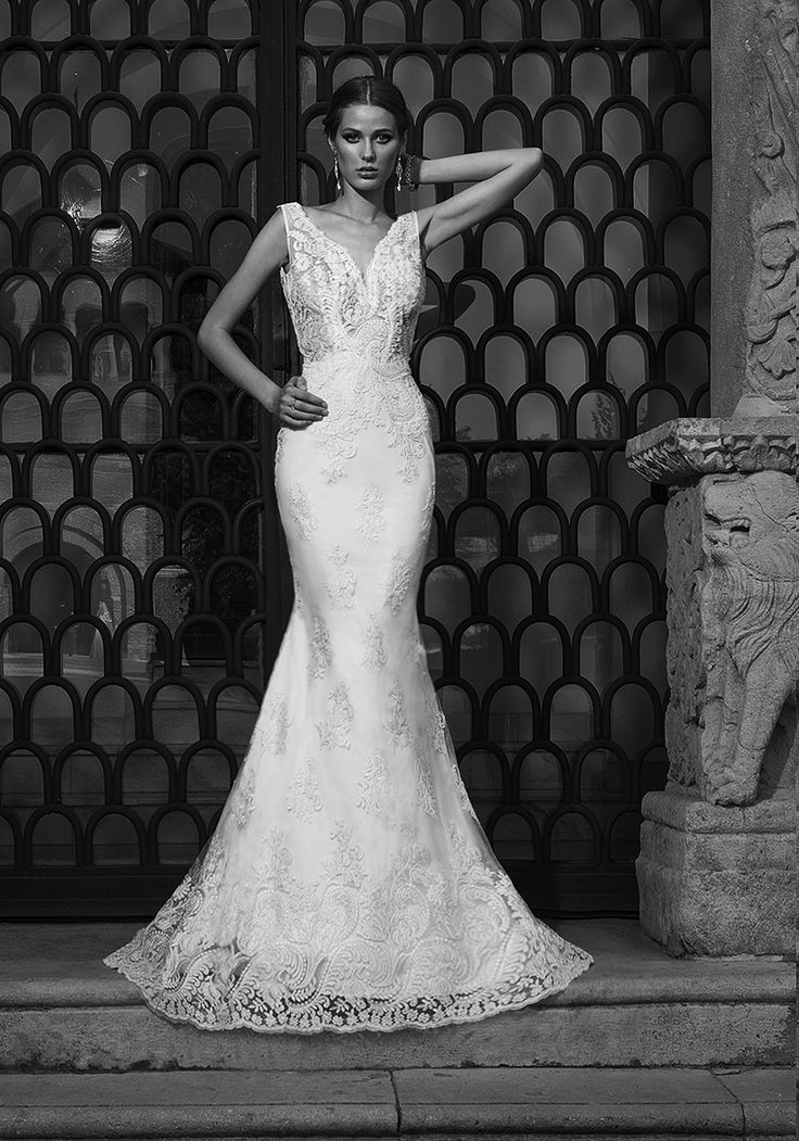 Fit for an unapologetically elegant look, this 2016 luxury wedding dress is a whimsical choice for instant, jaw-dropping glamour and femininity.  See more of Addicted to Your Eyes at our website www.biensavvy.eu or book an appointment for a showroom fitting at office@biensavvy.eu