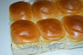 A soft and sweet bun that goes well with any sandwich spread and any drinks that you want to pair it with. Aside from Pan De sal , this i...