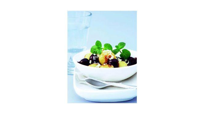 schnelle küche - Mini-Knödel mit Kirschen und weißer Schokolade