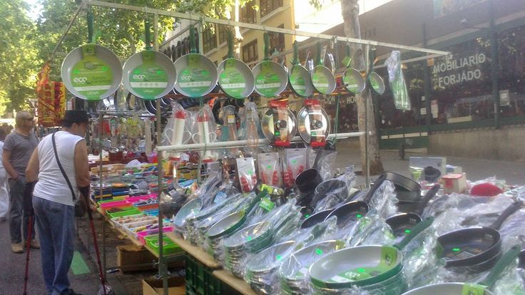 El Rastro Flea Market (Plaza Cascorro and Ribera de Curtidores)