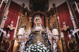 Besamanos María Stma. de la Hiniesta. (Hdad. de la Hiniesta, Sevilla). : Portico de Pasion. Fotografía Cofrade de Manuel Borjas.