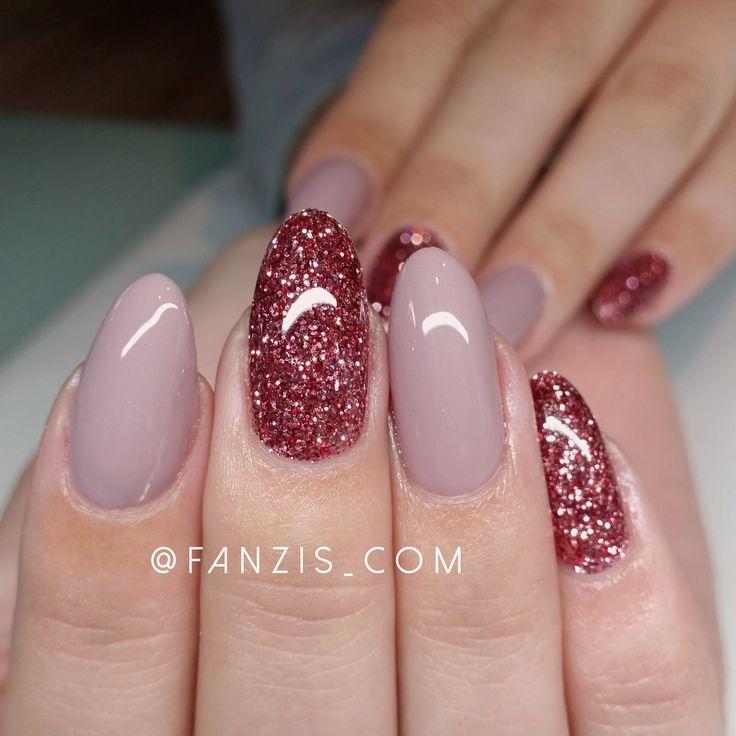 Love the glitter nails - 25+ Beautiful Oval Nails Ideas On Pinterest Acrylic Nail Shapes