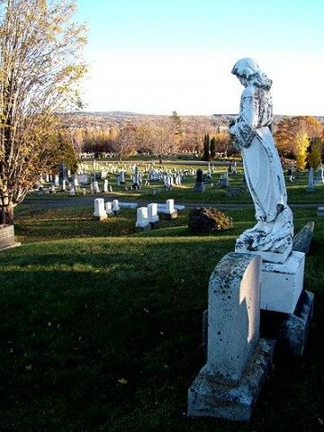 The Maine Real Estate Listing Has Burial Plots, A Cemetery.