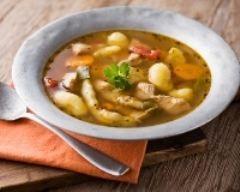 Mijoté de poulet, pommes de terre et carottes (facile, rapide) - Une recette CuisineAZ