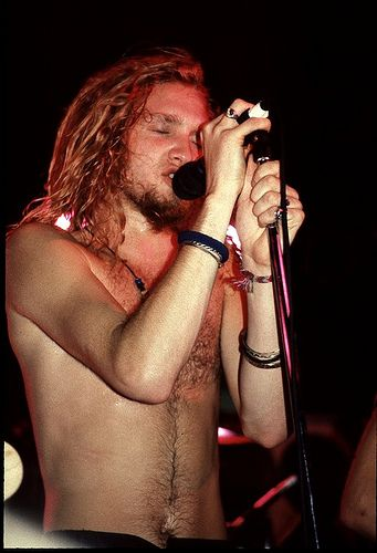 Layne............LOVE Alice in Chains