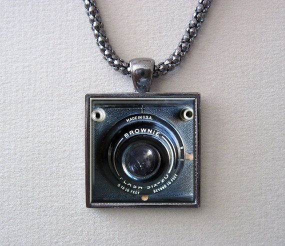 Hey, I found this really awesome Etsy listing at http://www.etsy.com/listing/128080713/box-brownie-camera-necklace-camera