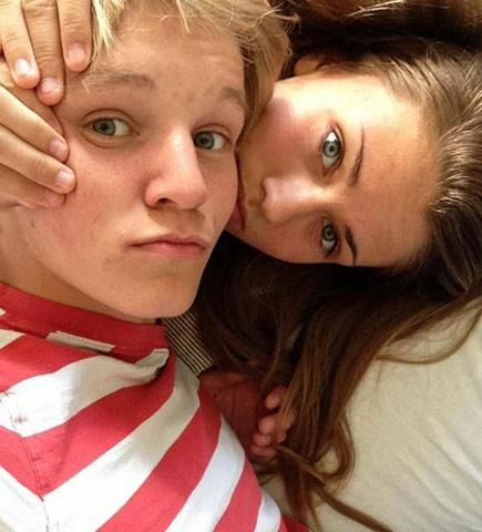 Martin Odegaard et sa petite copine - http://bit.ly/15yKGRS