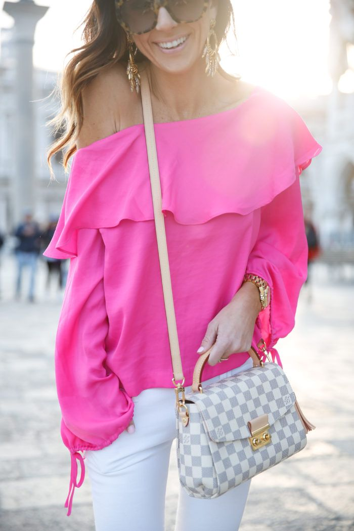 venice, italy, st. marks square, tory burch minnie flats, travel style, travel, international travel, hot pink, forever21, louis vuitton