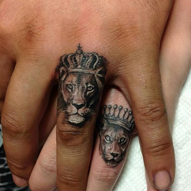 Tatuajes rey león y reina leona con coronas. Lion King and Queen Tattoos