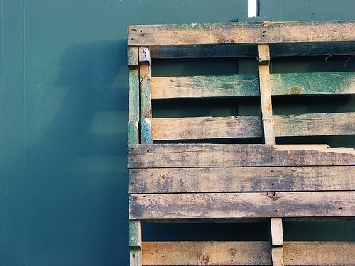 How to tell if a Wood Pallet is safe for crafting.   After seeing all of these pallet upcycle ideas I think this is a great reference to have.    Some Pallets are treated with methyl bromide, a toxic pesticide.