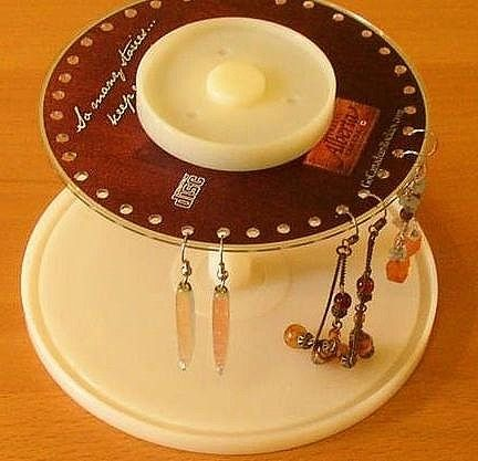 Handmade DIY recycling of waste home life [CD] used to build practical earring holder's CD can have even ...