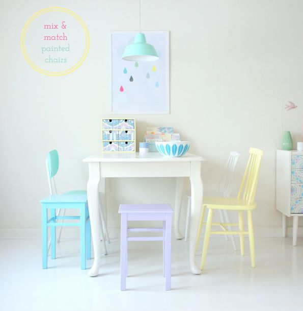 Pastel dining room (Photography by Anna Weinreich)