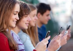 #COLLEGE: CREEPING, CONNECTING, AND COMMUNICATING ON SOCIAL MEDIA (5/9/2015)
