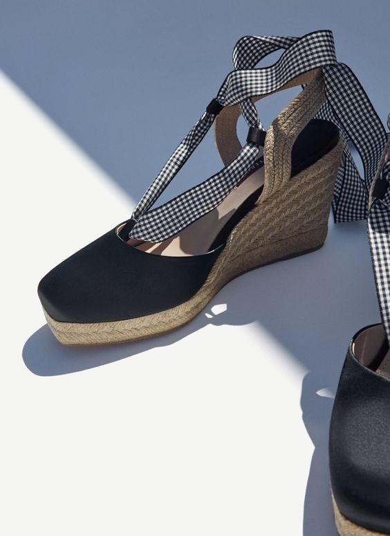 Uterqüe Portugal Product Page - Calçado - Alpercatas e cunhas - Cunha de cetim atado - 79