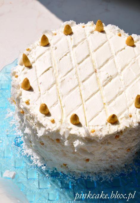 tort kokosowy z białą czekoladą i wodą różaną