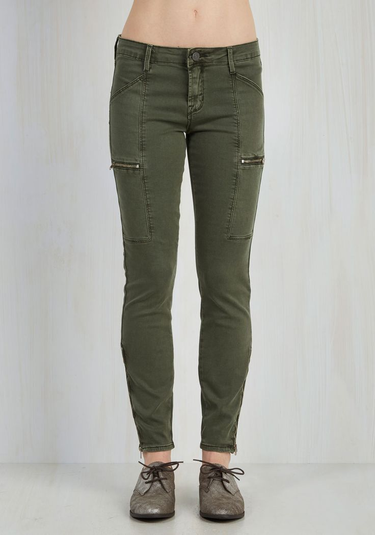 Work From Home Hero Pants. Youre not too proud to brag about your ability to stay on task as you sit with these olive green cargo pants tucked under your desk! #green #modcloth