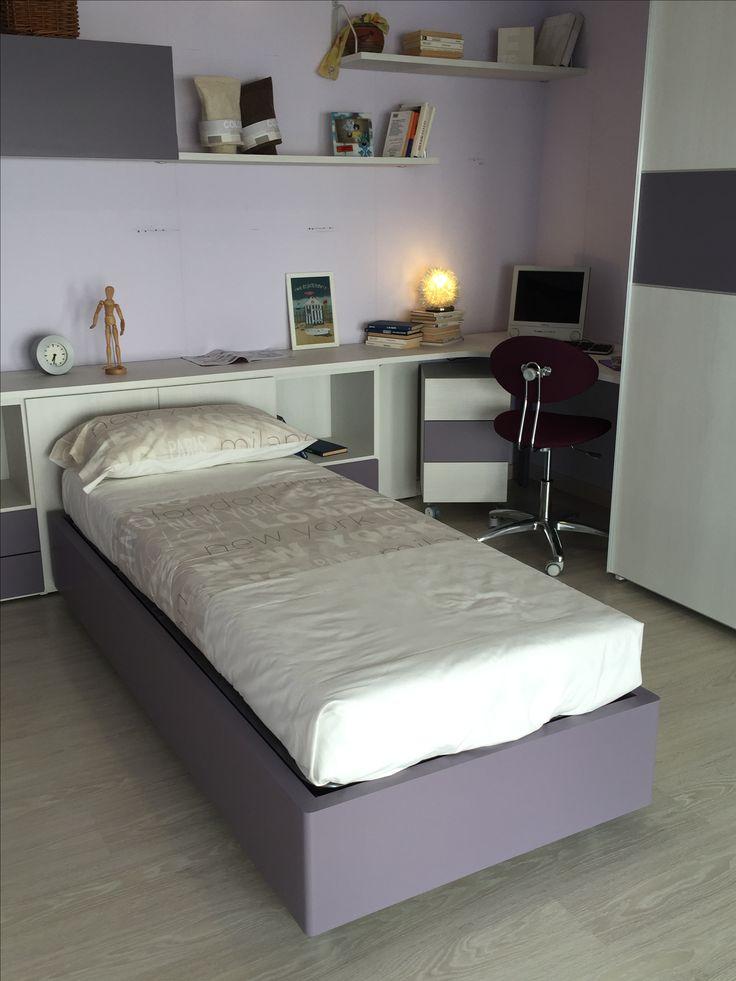 Oltre 25 fantastiche idee su mensole per camera da letto for Letto scrivania