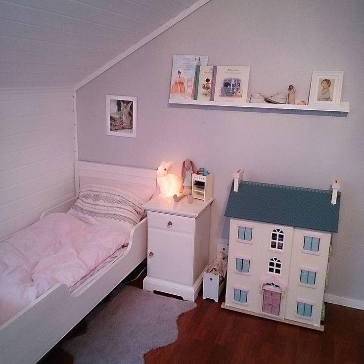 Jenterom, barnerom, IKEA, Maileg, kaninlampe