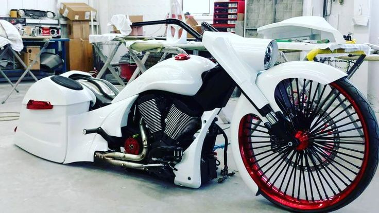 @rusty_jones_customs new layframe 30 @indianmotorcycle #baggermilitia #militiaindustries