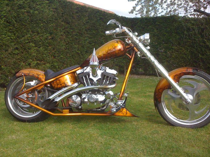 les 25 meilleures id es de la cat gorie motos chopper vendre sur pinterest moto chopper. Black Bedroom Furniture Sets. Home Design Ideas