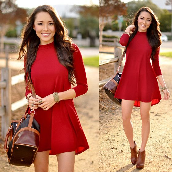Jessica R. - Dailylook Red Flare Dress, Melie Bianco Hobo Bag - Lady in Red