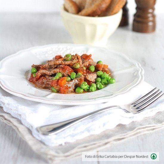 #ricettasana: straccetti di carne con piselli e pomodoro     casadivita.despar.it