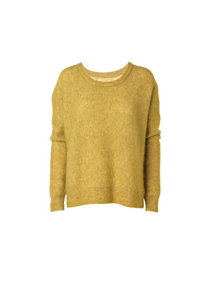 Skøn basisstrik i en svagt plysset kvalitet og med en raffineret overflade. Designet med ribkanter of en rund halsudskæring. En perfekt basistrik til garderoben, der nemt kan tilføres et afslappet hverdags outfit. Vi anbefaler, at du styler den med jeans og en skarp skjorte.