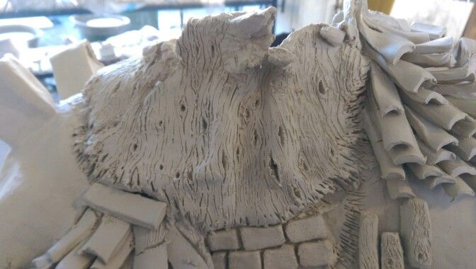 Wood like texture on paper clay