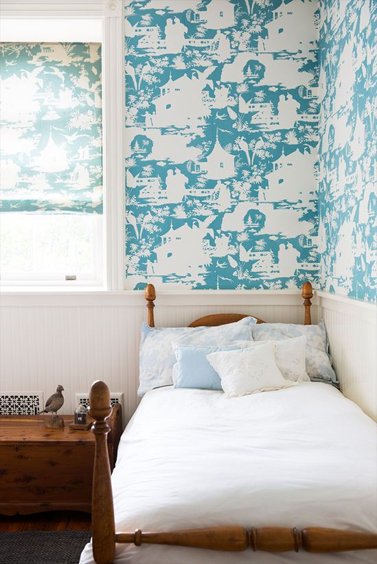 fun blue wallpaper in this brooklyn home   domino.com