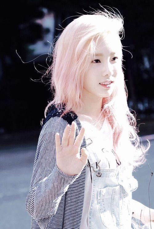lovely SNSD Taeyeon in blond pinkish hair . | k-pop Girls ...