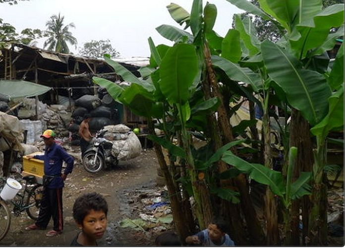 7 | Airbnb Lets You Stay In An Indonesian Slum | Fast Company | business + innovation