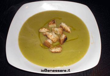 Vellutata di patate e asparagi http://www.iobenessere.it/vellutata-di-patate-e-asparagi/ #ricette #cucina #ricettesane #benessere #salute #asparagi #vellutata #verdura #patata
