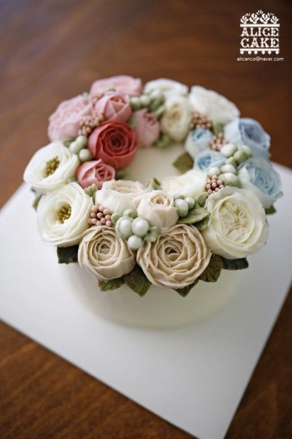 축하해요~!!! 샤이니 태민 생일 케이크 앨리스와 잘 아는 지인 분 중에샤이니 태민의 매우 가까운 친척이 ...
