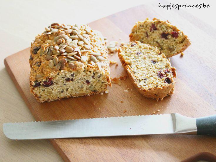 Havermoutbrood met noten en rozijnen, tagatesse vervangen door honing/stevia