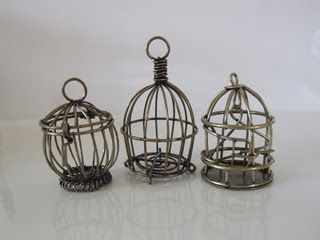 miniature bird cages~I must try to do these lil cuties....some day❤