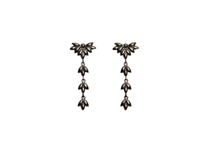 Foliage earrings; Material: sterling silver, oxidized