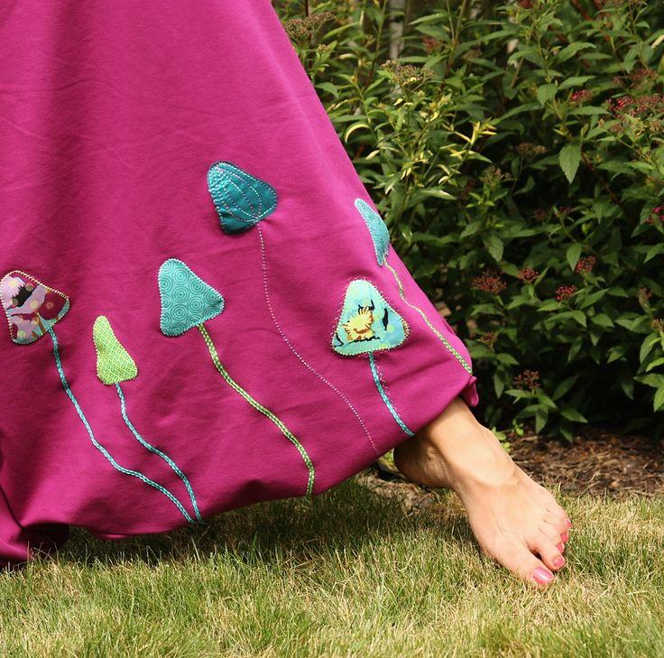 kalhoty/ sukně s houbičkama Ty nejpohodlnější kalhoty, pro Vás můžeme ušít v jakékoliv barvě dle Vaši velikosti.v barevném sladění dle přání..Tyto kalhoty již mají svou majitelku, na mírách se domluvíme přes vnitřní poštu Turecké kalhoty ušité dle vlastního střihu z tenčí velmi příjemné a kvalitní teplákoviny 95%bavlna 5%elasten jež pruží a je ...