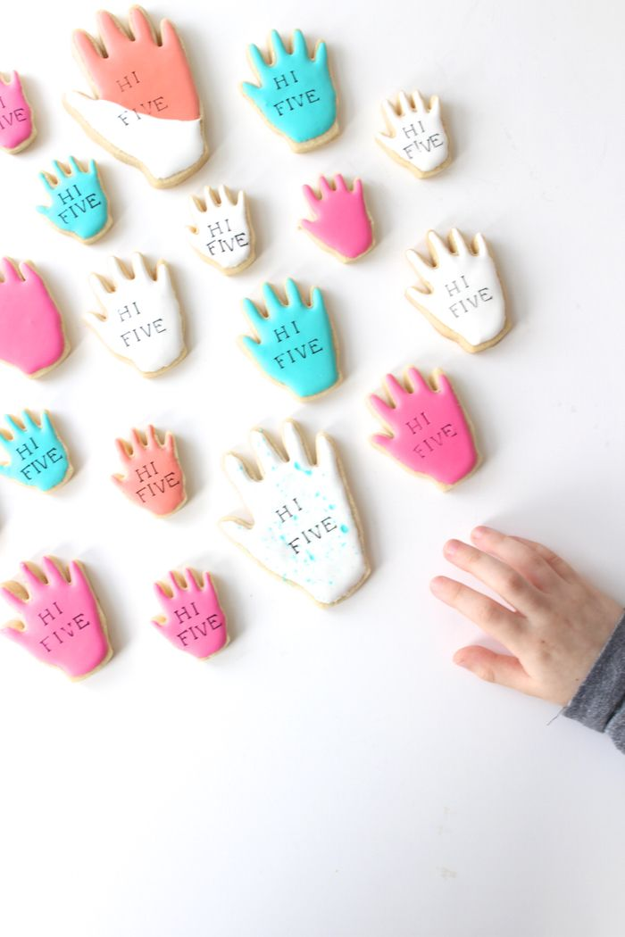 HI FIVE- the sweetest cookies for a 5 year old's birthday party